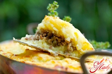 potato casserole with meat and mushrooms